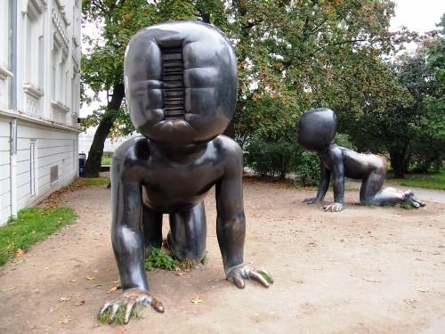 Скульптуры Давида Черного в Праге